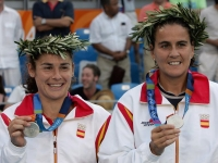 Conchita and Virginia Ruano with their double silver medal at Athens 2004