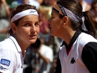 With Arantxa, discussing tactics in the doubles match in Berlin